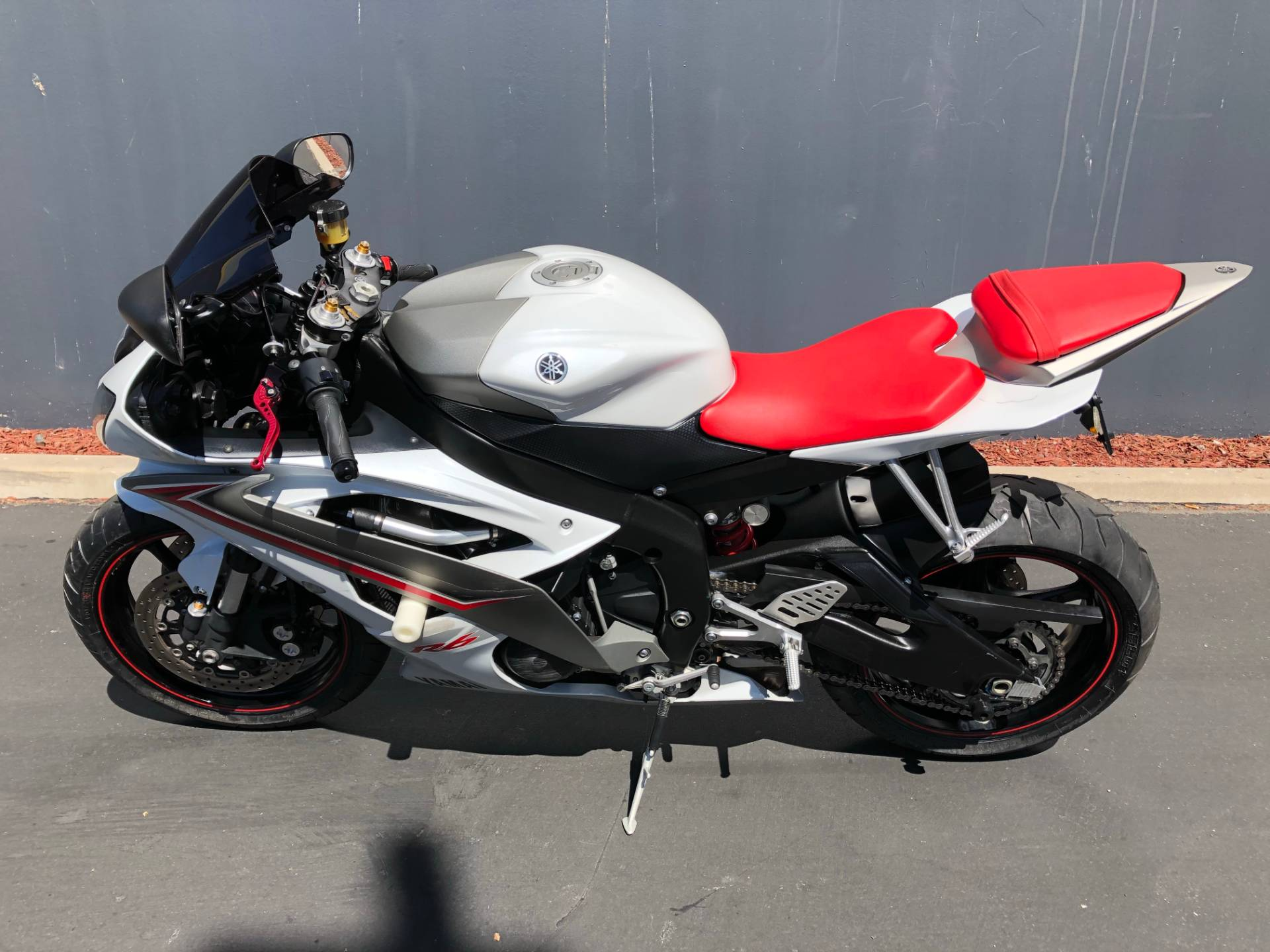 2009 Yamaha YZF-R6 in Chula Vista, California