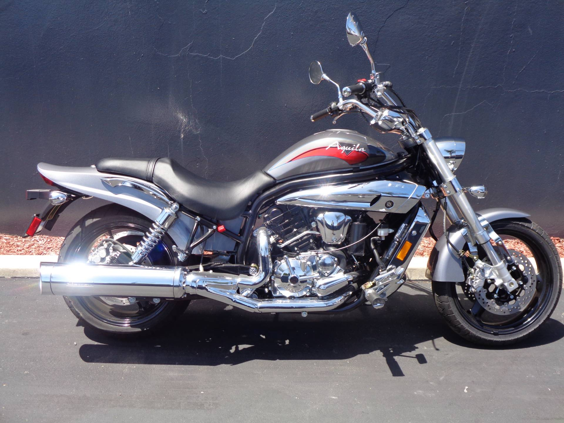 2010 Hyosung GV650 in Chula Vista, California - Photo 1
