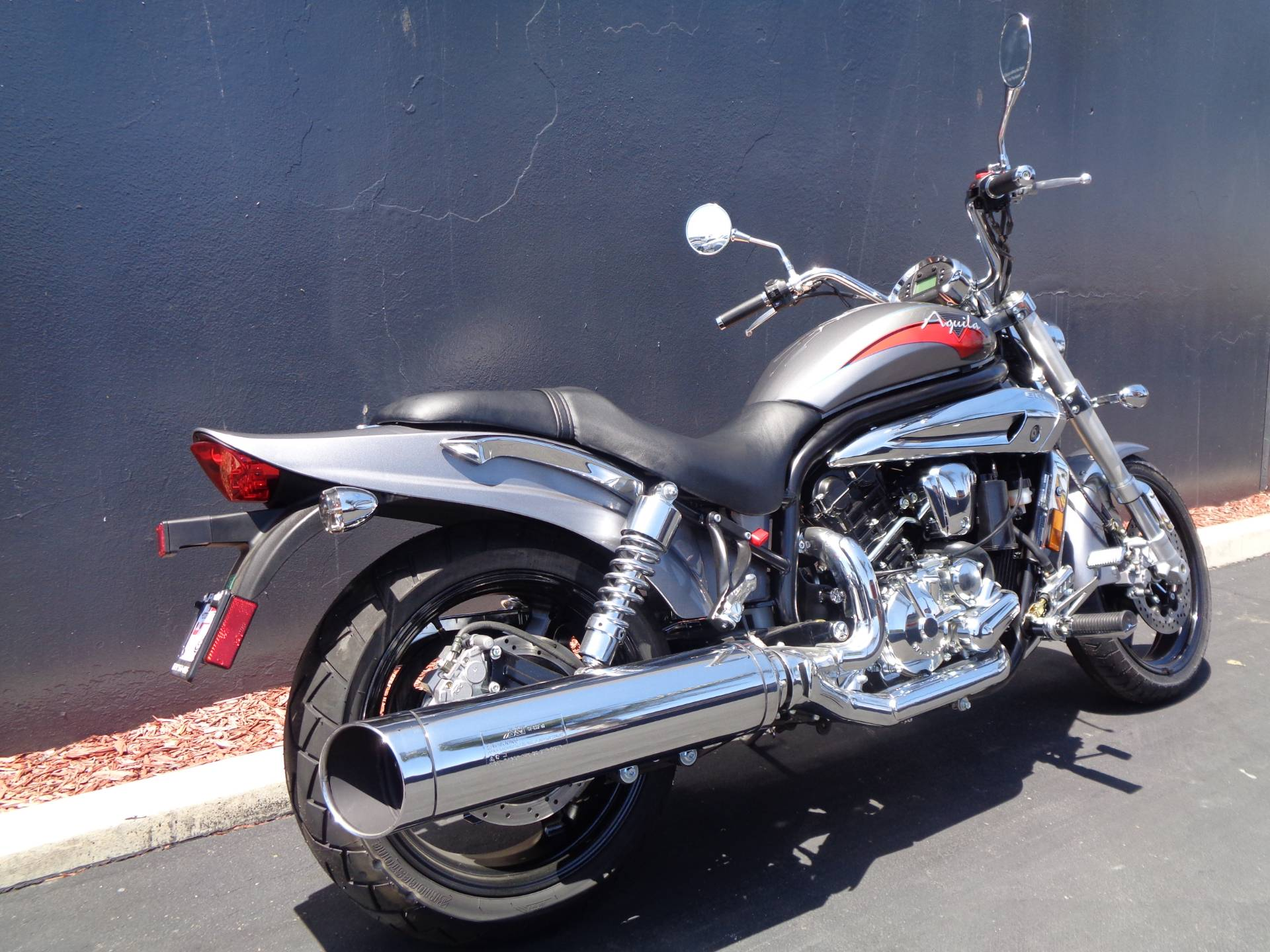 2010 Hyosung GV650 in Chula Vista, California - Photo 3