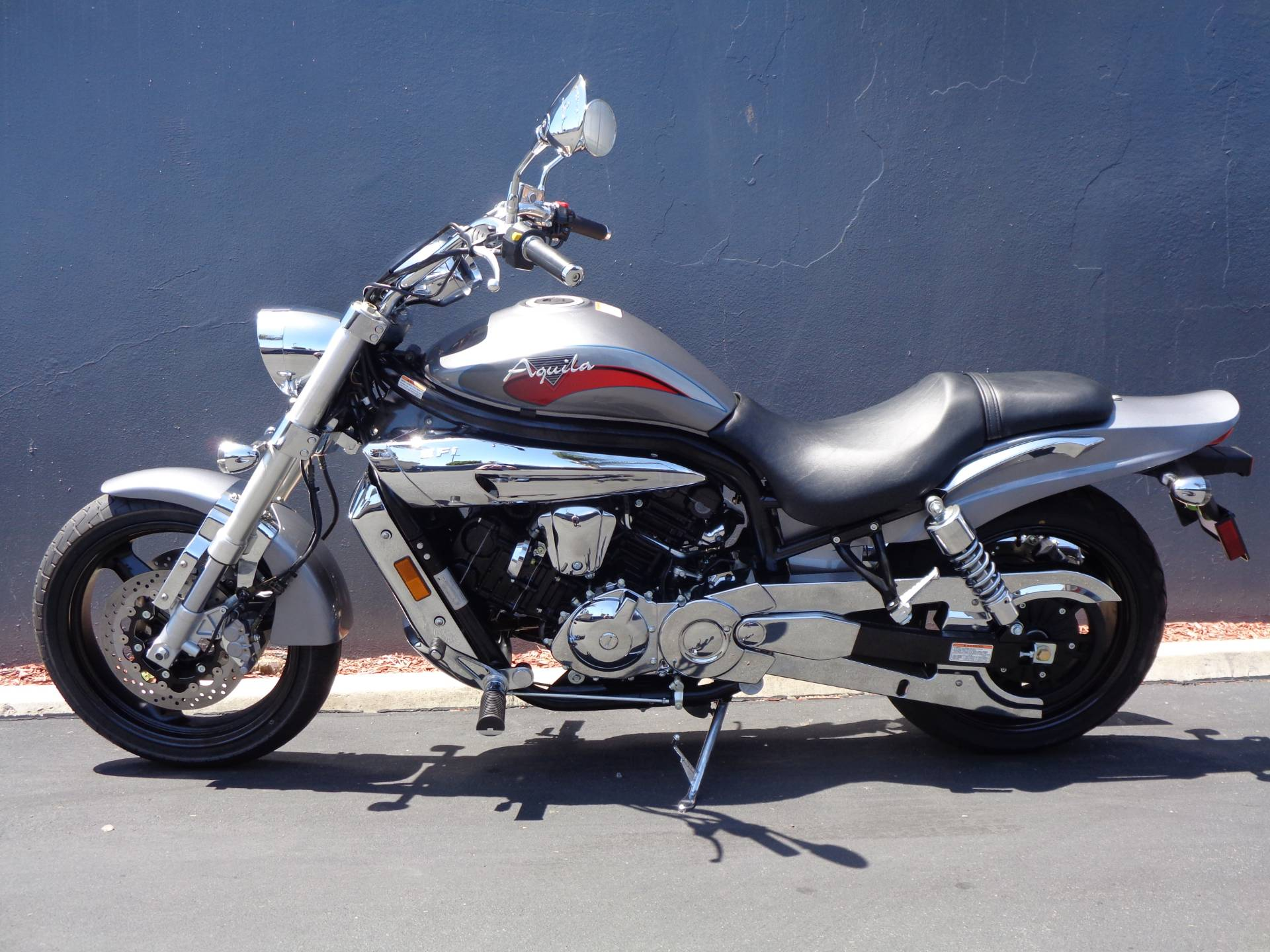 2010 Hyosung GV650 in Chula Vista, California - Photo 13