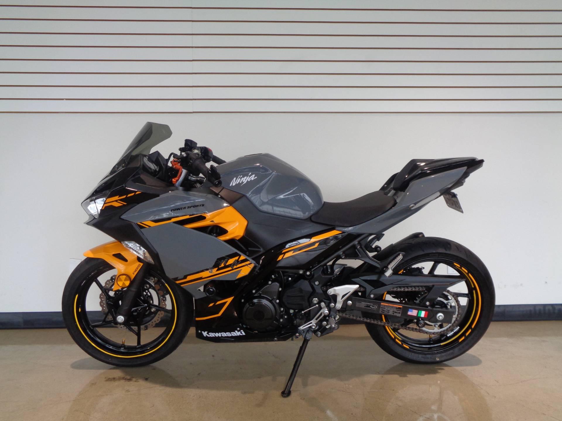 2018 Kawasaki Ninja 400 ABS 10