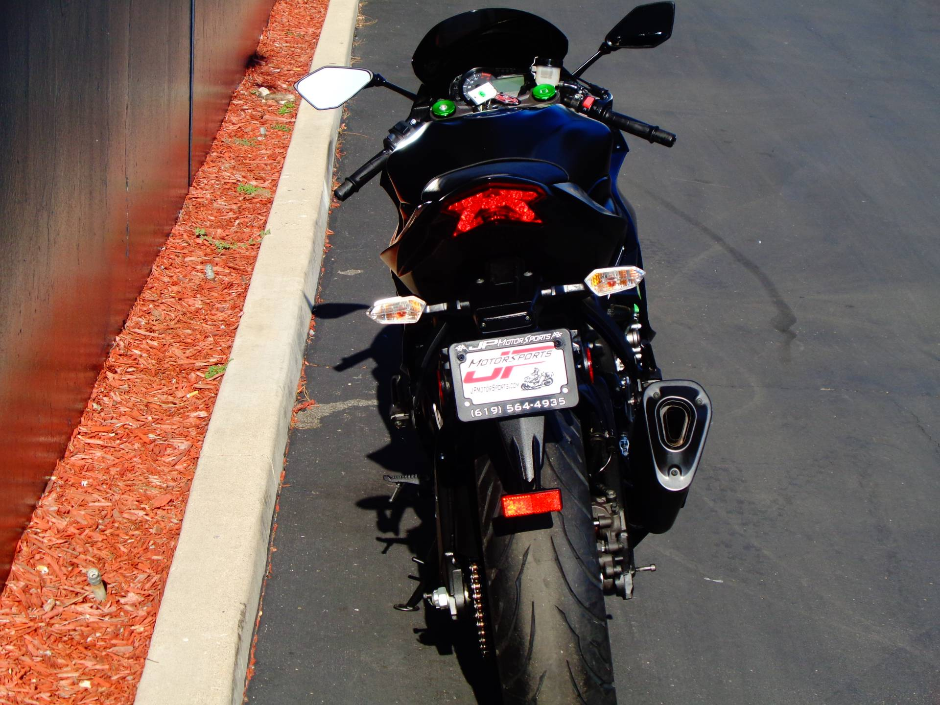 2015 Kawasaki Ninja® ZX™-6R ABS in Chula Vista, California - Photo 11