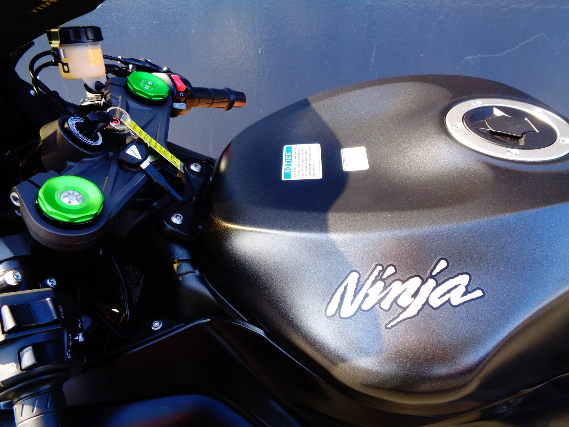 2015 Kawasaki Ninja® ZX™-6R ABS in Chula Vista, California - Photo 27