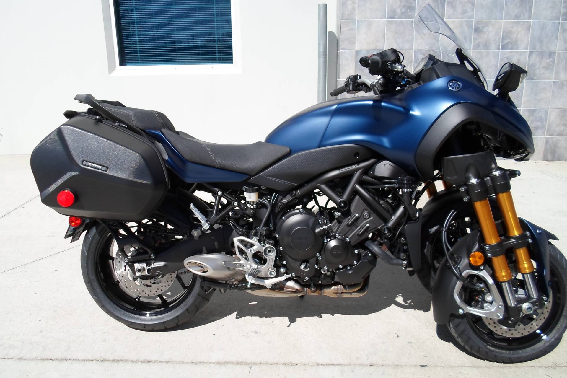2019 Yamaha Niken GT in San Marcos, California - Photo 3