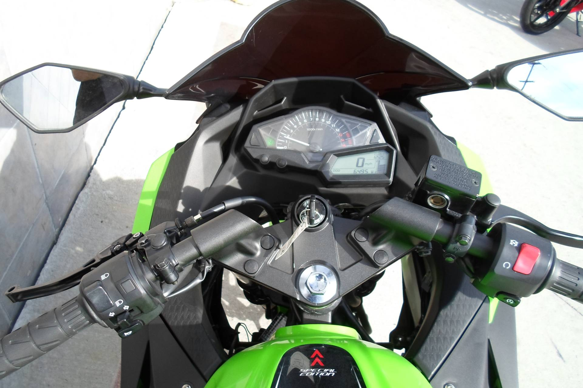2014 Kawasaki Ninja® 300 SE in San Marcos, California - Photo 9