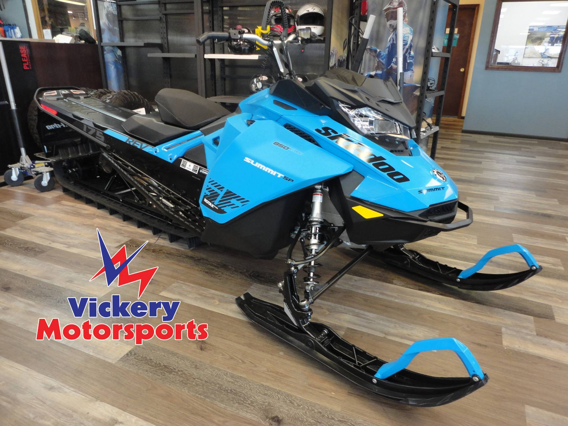 2020 Ski-Doo Summit SP 175 850 E-TEC SHOT PowderMax Light 3.0 w/ FlexEdge in Denver, Colorado - Photo 1