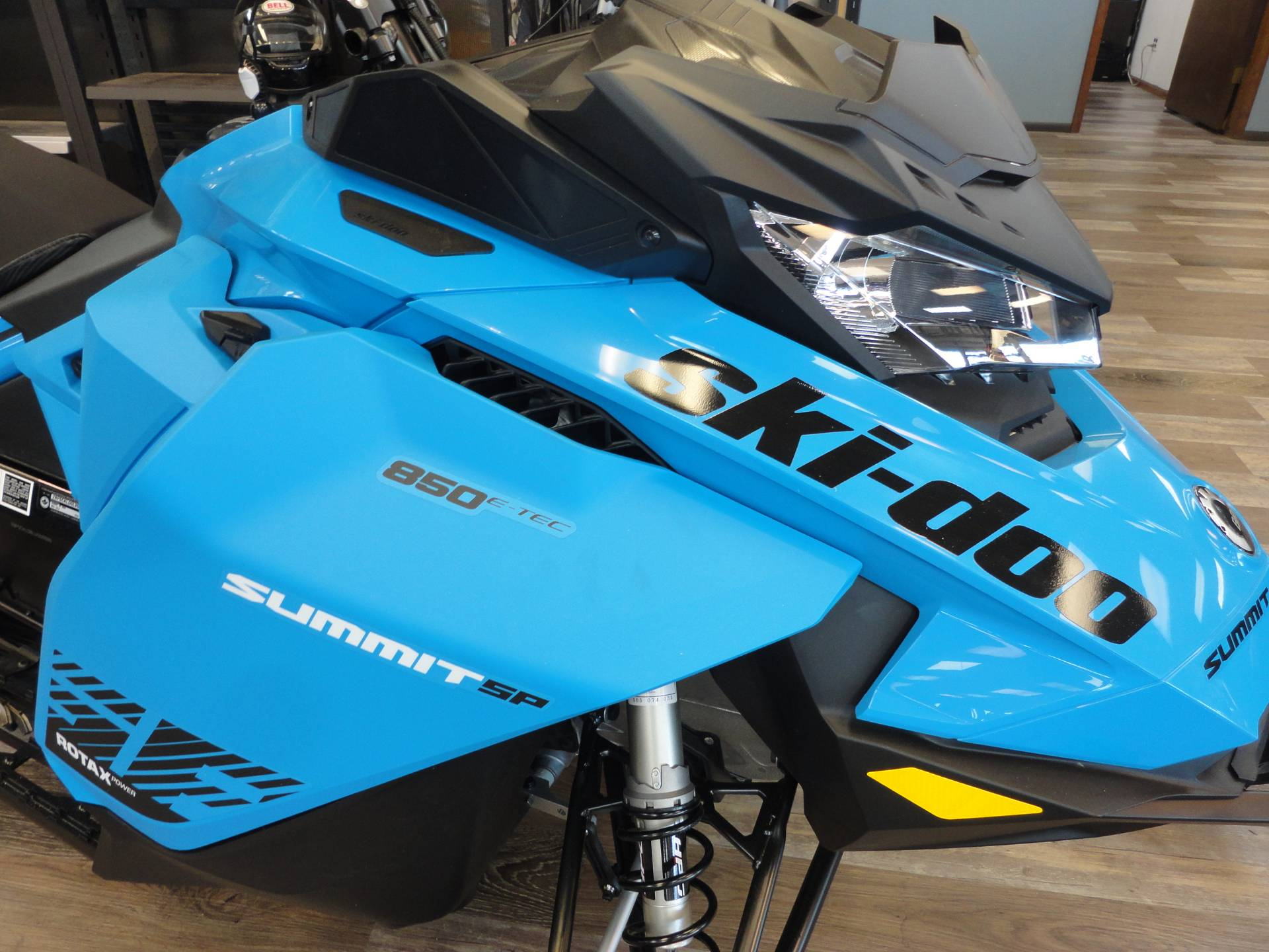 2020 Ski-Doo Summit SP 175 850 E-TEC SHOT PowderMax Light 3.0 w/ FlexEdge in Denver, Colorado - Photo 3