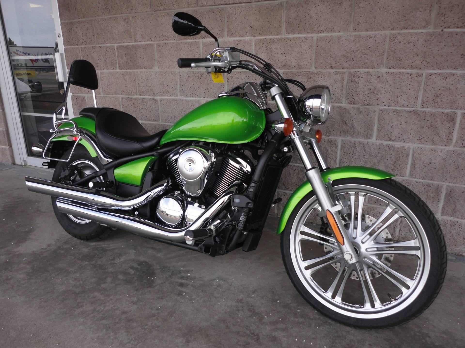 2008 Kawasaki Vulcan® 900 Custom in Denver, Colorado