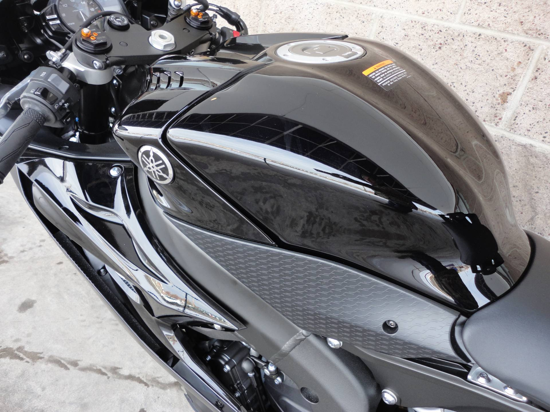 2020 Yamaha YZF-R6 11