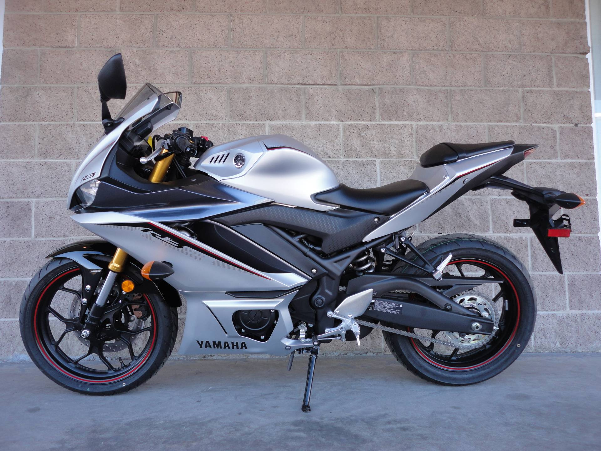 2020 Yamaha YZF-R3 ABS in Denver, Colorado - Photo 2