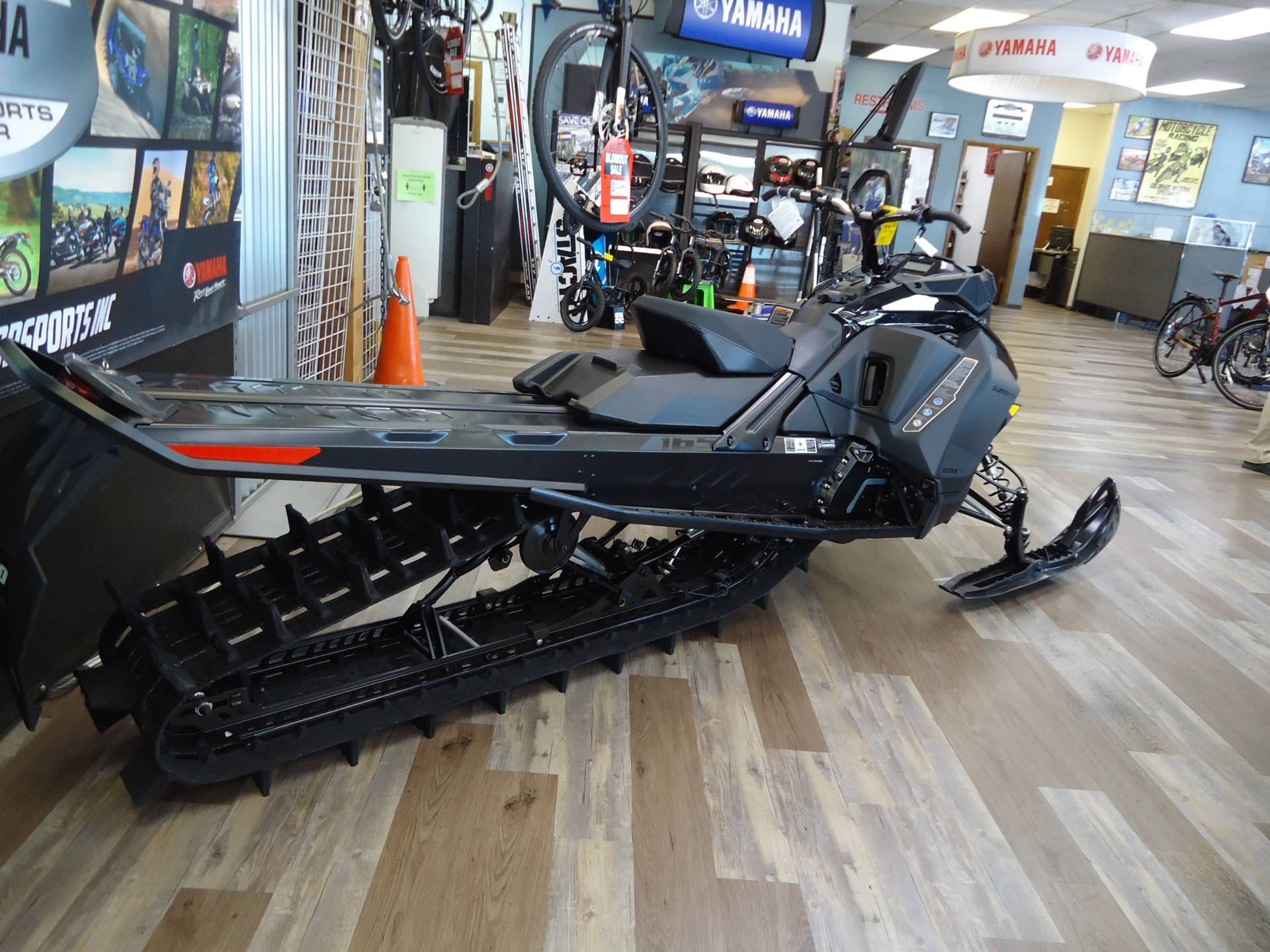2021 Ski-Doo Summit SP 165 850 E-TEC SHOT PowderMax Light FlexEdge 3.0 in Denver, Colorado - Photo 3