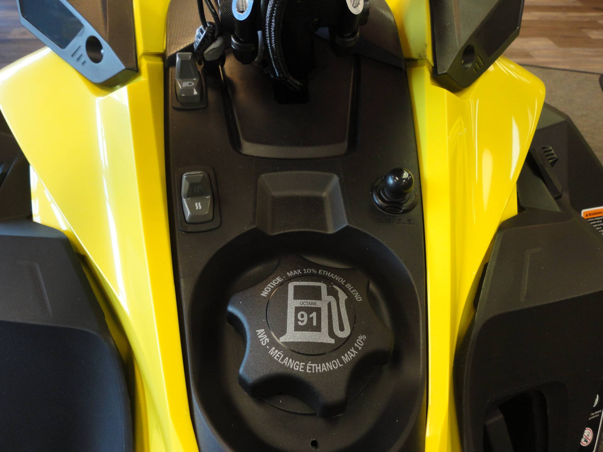 2018 Ski-Doo Summit SP 154 850 E-TEC SS, PowderMax Light 3.0 in Denver, Colorado