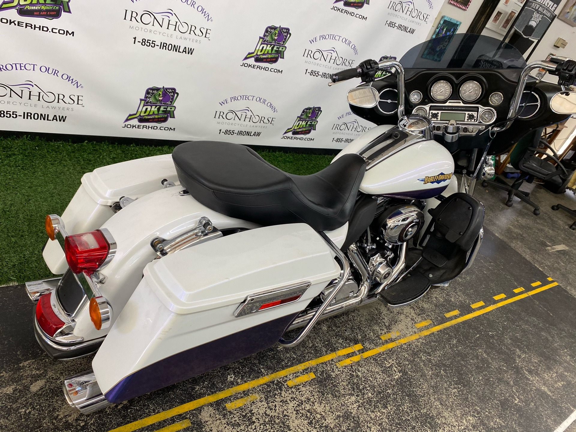 2010 Harley-Davidson Electra Glide® Ultra Limited in Blacksburg, South Carolina - Photo 6