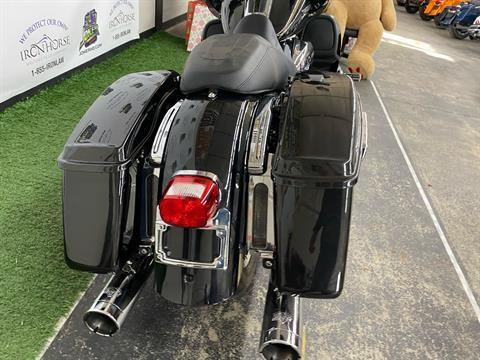 2017 Harley-Davidson Road Glide® Ultra in Blacksburg, South Carolina - Photo 3
