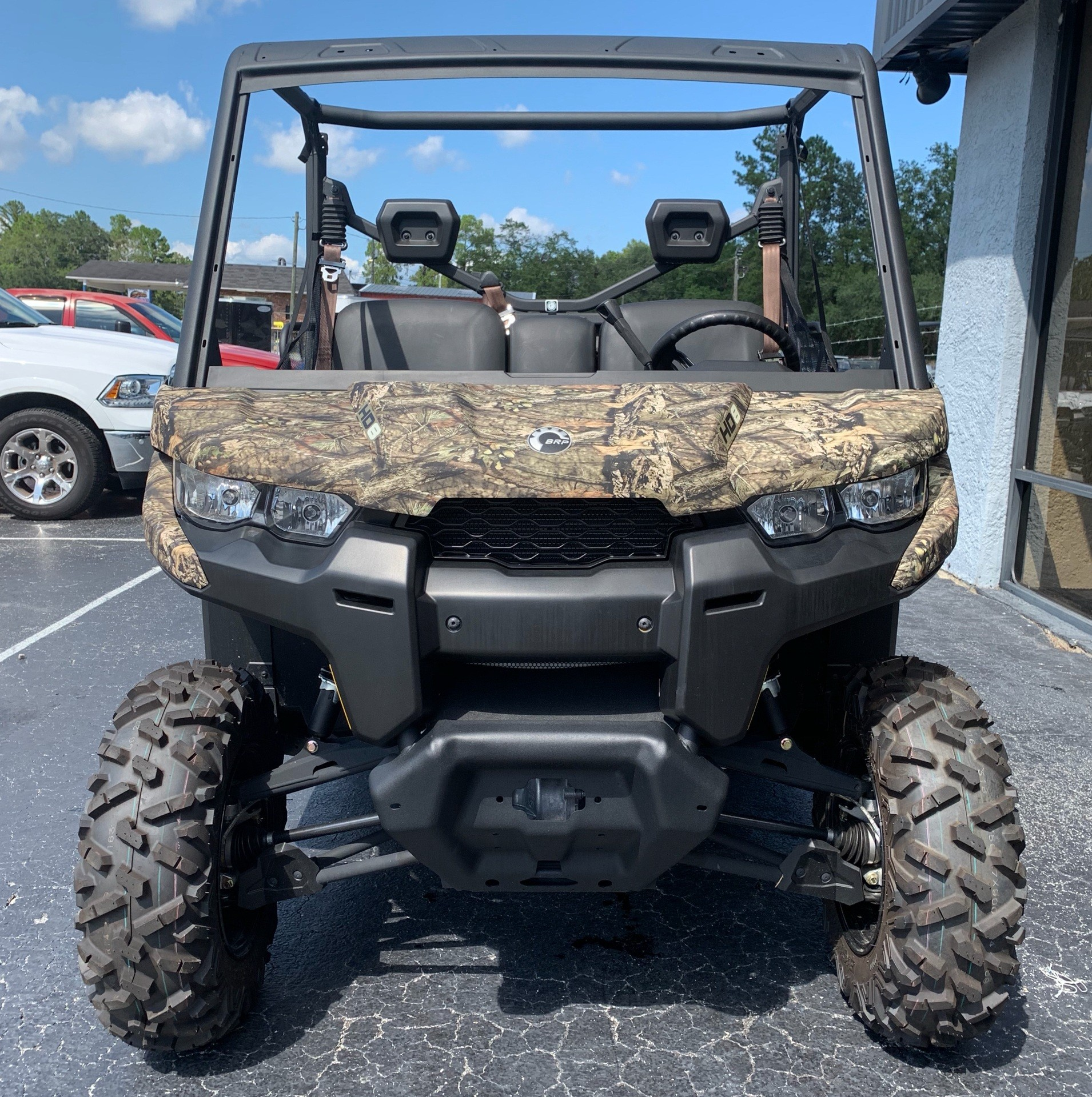 2019 Can-Am� Defender DPS HD8 3