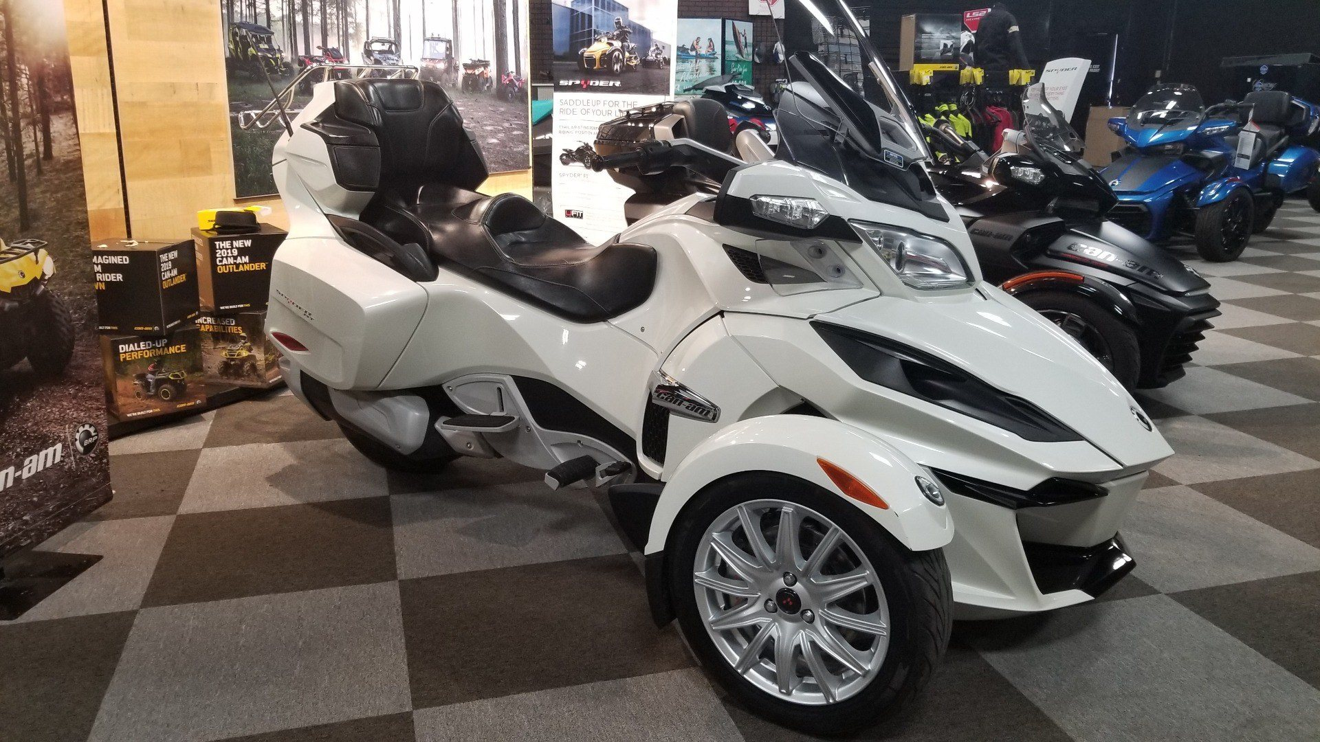 2014 Can-Am Spyder® RT SE6 in Jesup, Georgia