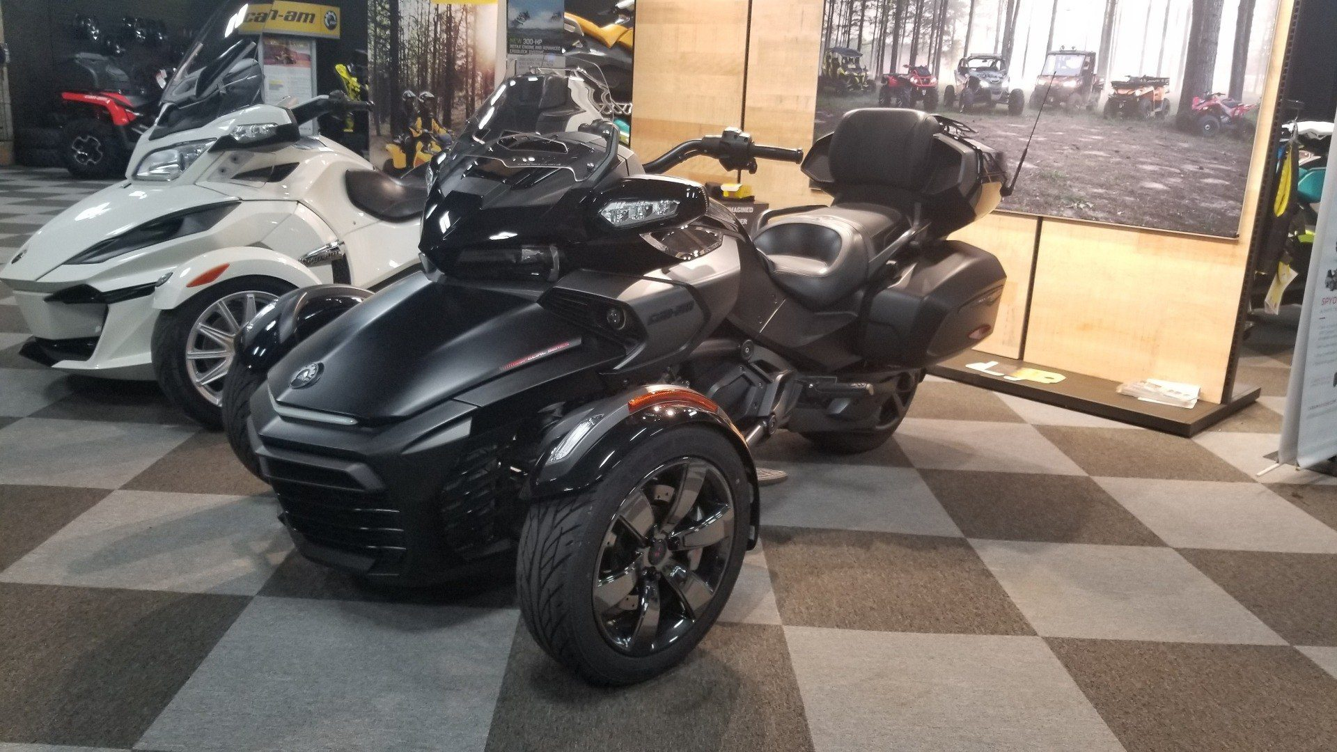 2016 Can-Am Spyder F3 Limited in Jesup, Georgia