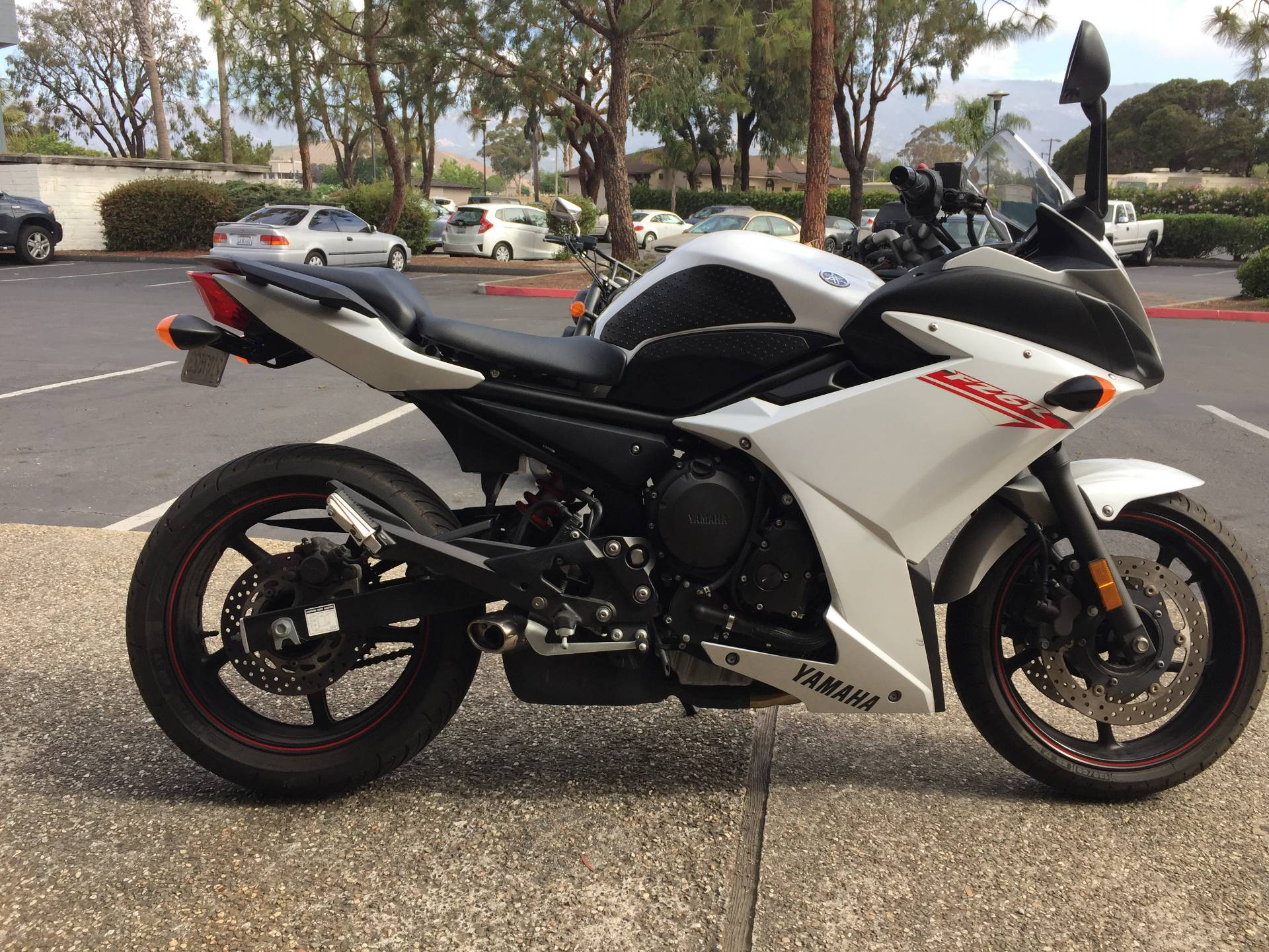 Used 2012 Yamaha FZ6R | Motorcycles in Goleta CA | N/A Pearl White