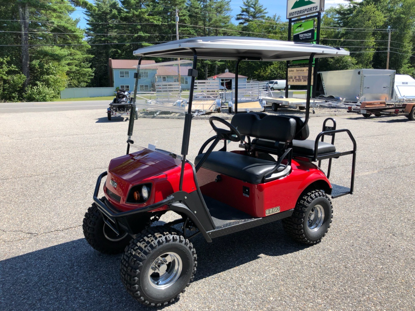 2018 E-Z-GO Express S4 Gas in Lebanon, Maine - Photo 3