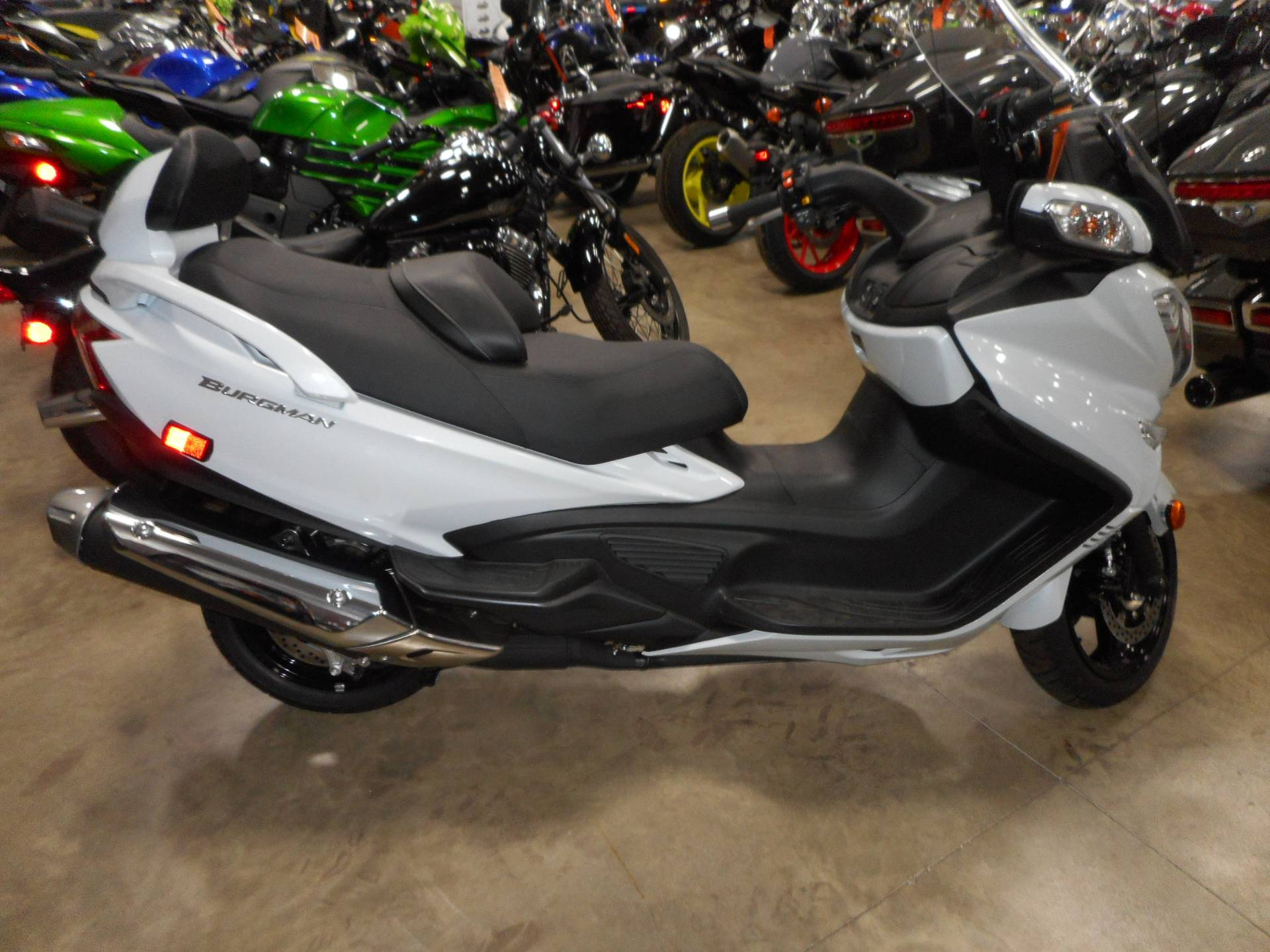 2017 Suzuki Burgman 650 Executive in Belvidere, Illinois - Photo 3