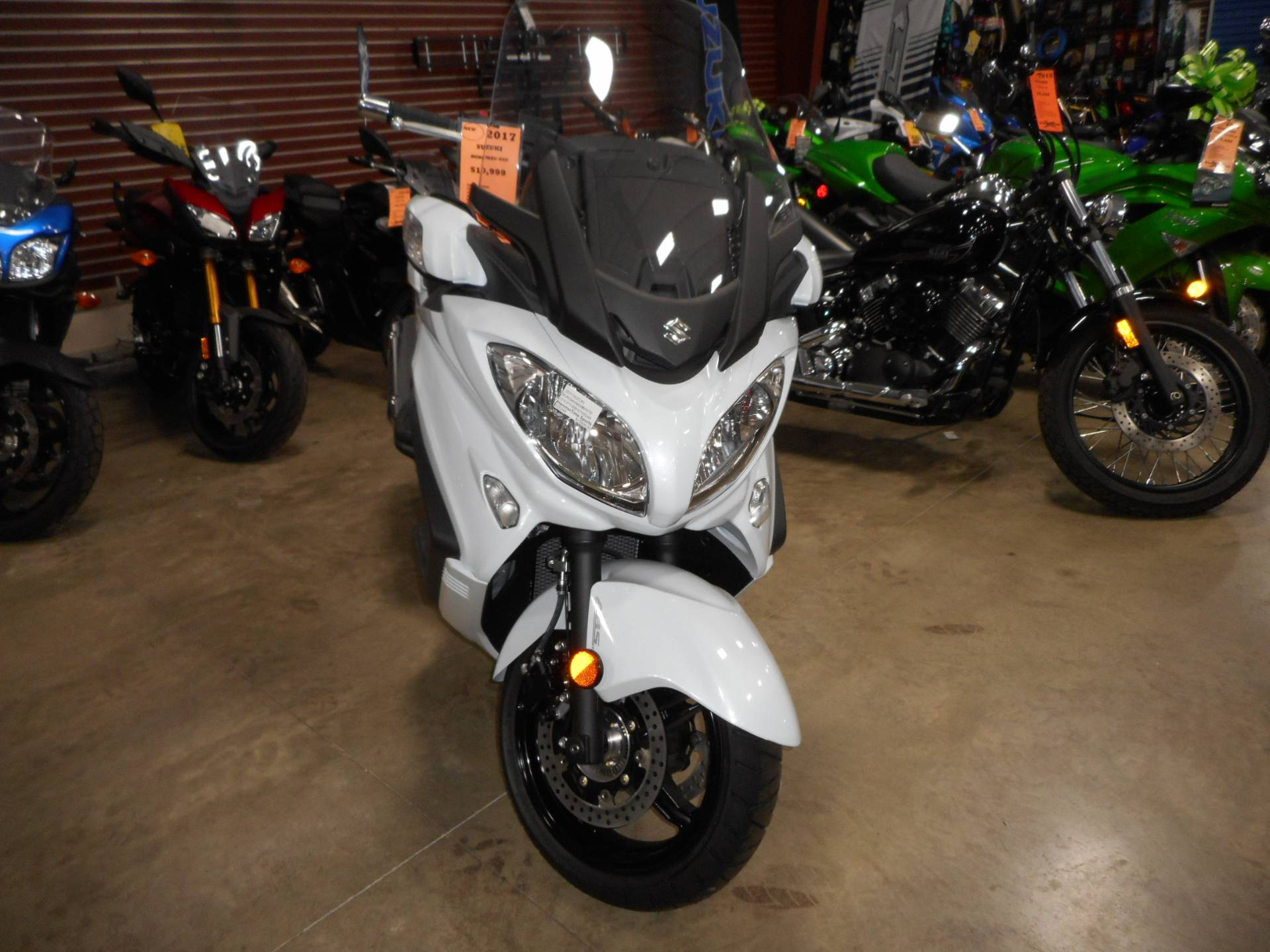 2017 Suzuki Burgman 650 Executive in Belvidere, Illinois - Photo 2