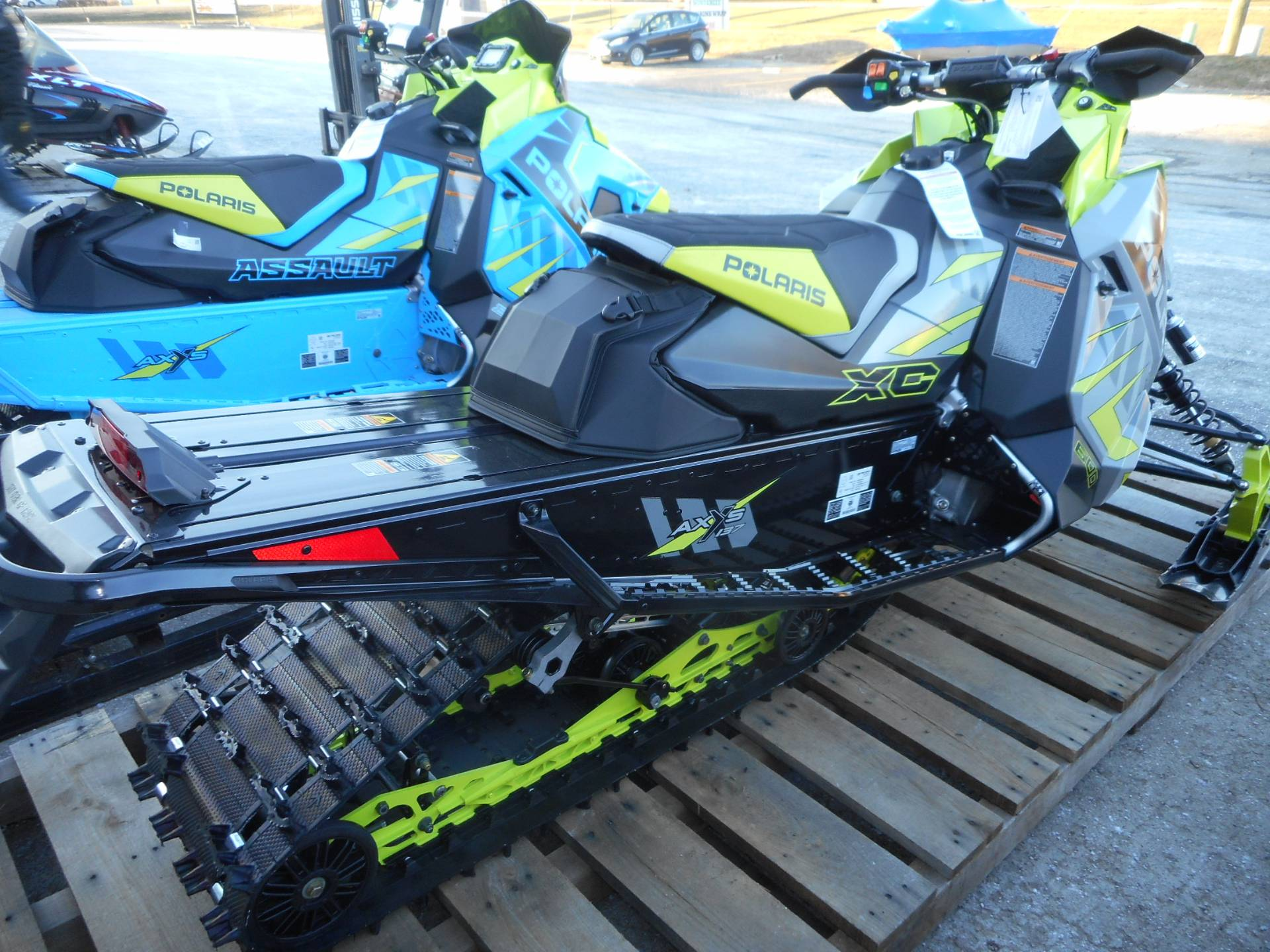 2020 Polaris 600 Indy XC 137 SC in Belvidere, Illinois - Photo 4