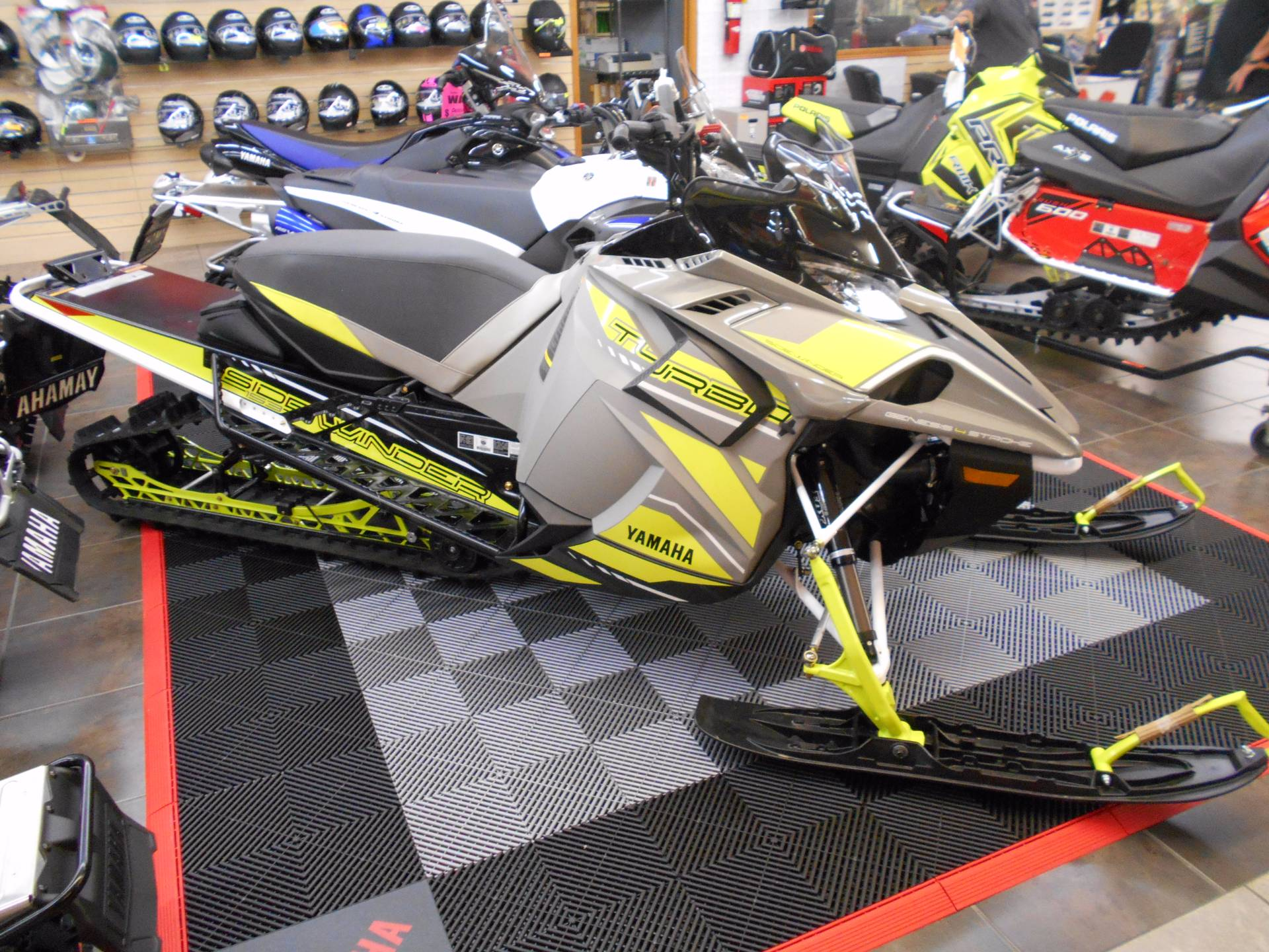 2018 Yamaha Sidewinder B-TX SE 153 1.75 in Belvidere, Illinois - Photo 2