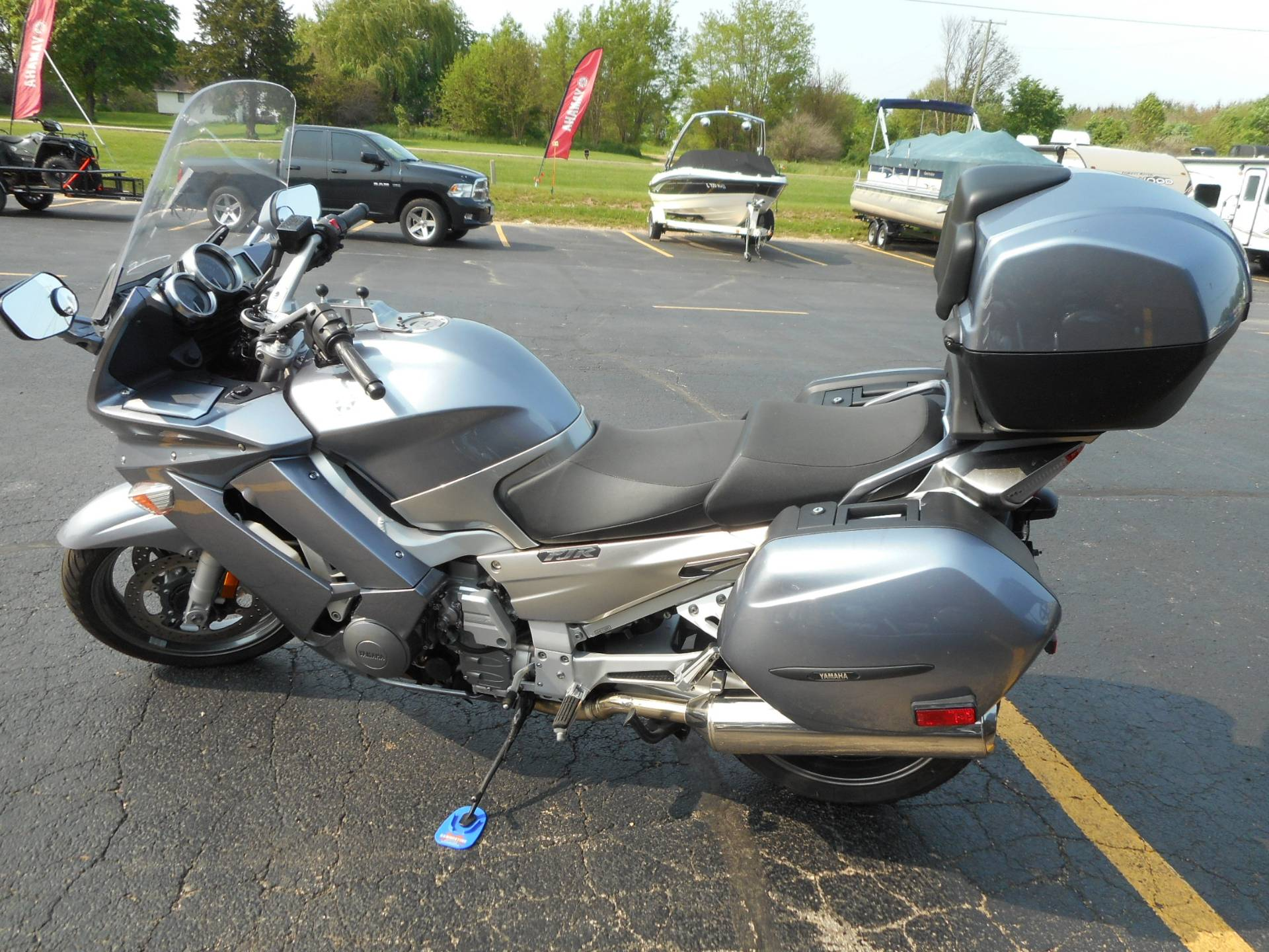 2006 Yamaha Electric Shift in Belvidere, Illinois - Photo 2