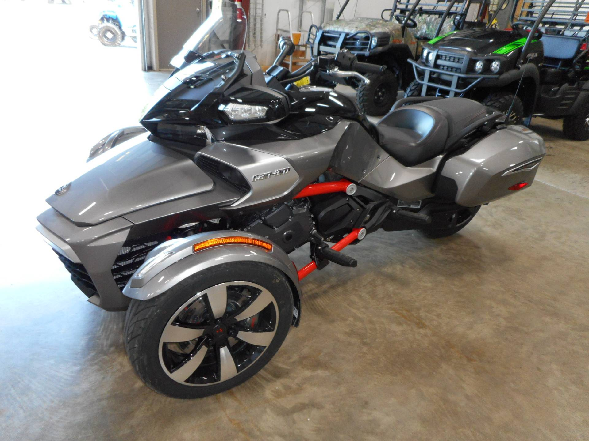 2016 Can-Am Spyder F3-T SM6 w/ Audio System in Belvidere, Illinois - Photo 1
