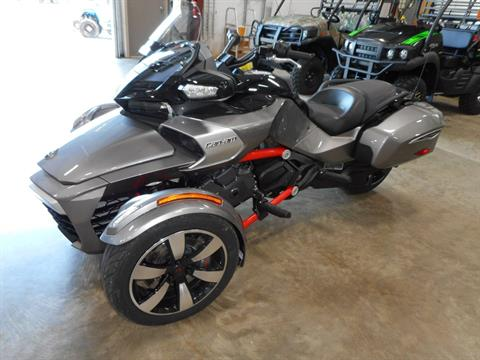2016 Can-Am Spyder F3-T SM6 w/ Audio System in Belvidere, Illinois