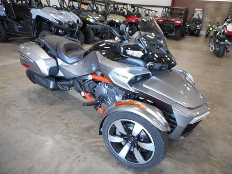 2016 Can-Am Spyder F3-T SM6 w/ Audio System in Belvidere, Illinois - Photo 3