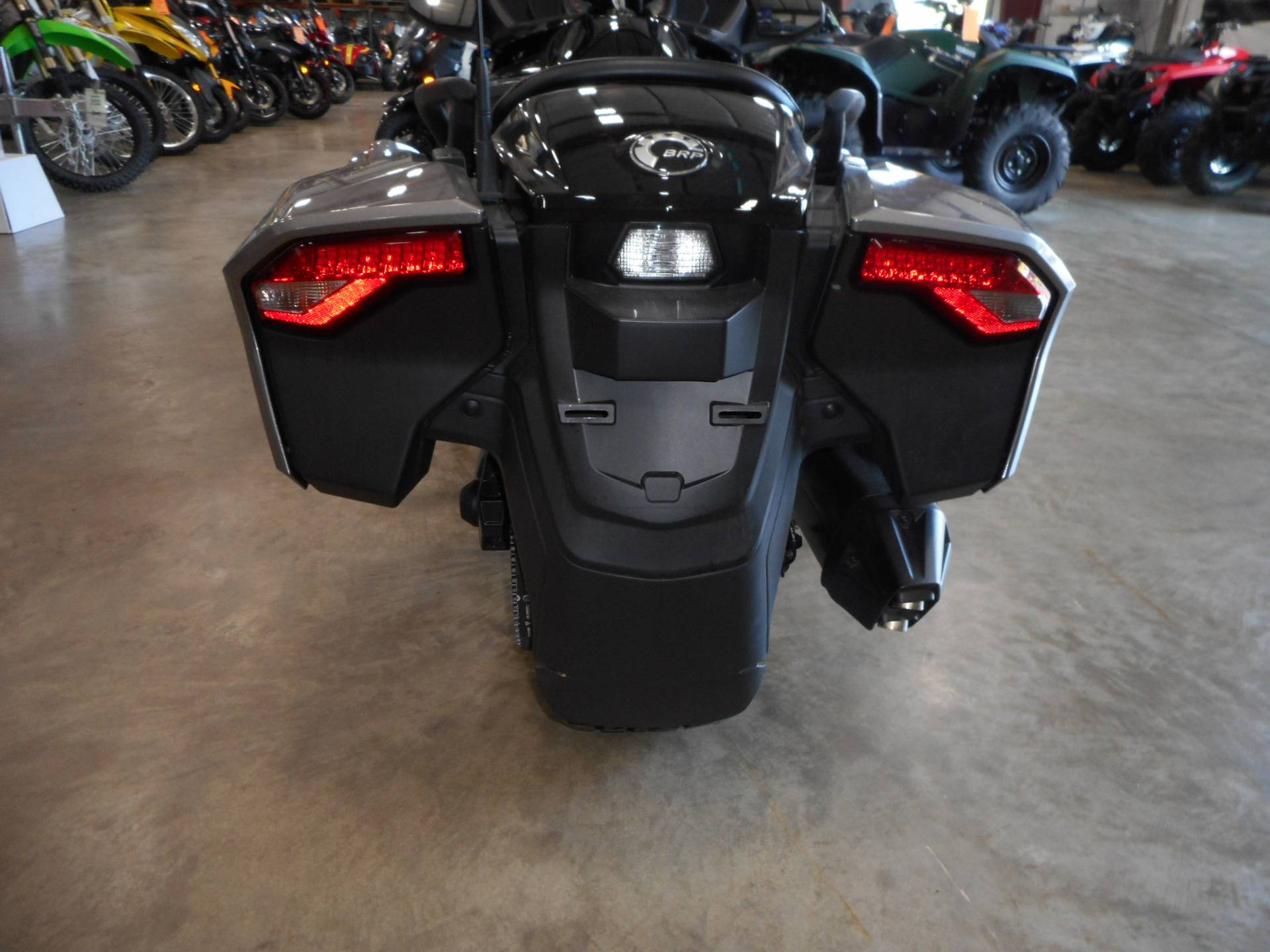 2016 Can-Am Spyder F3-T SM6 w/ Audio System in Belvidere, Illinois - Photo 7