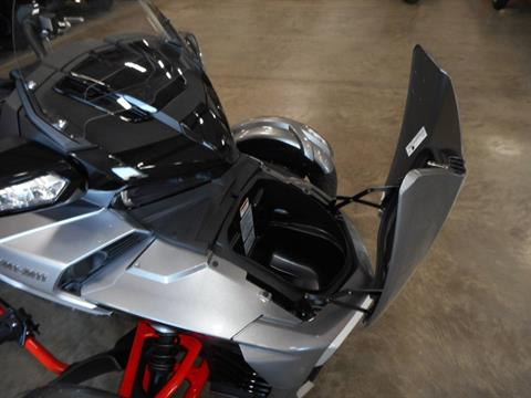 2016 Can-Am Spyder F3-T SM6 w/ Audio System in Belvidere, Illinois - Photo 11