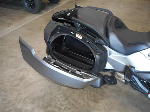 2016 Can-Am Spyder F3-T SM6 w/ Audio System in Belvidere, Illinois - Photo 12