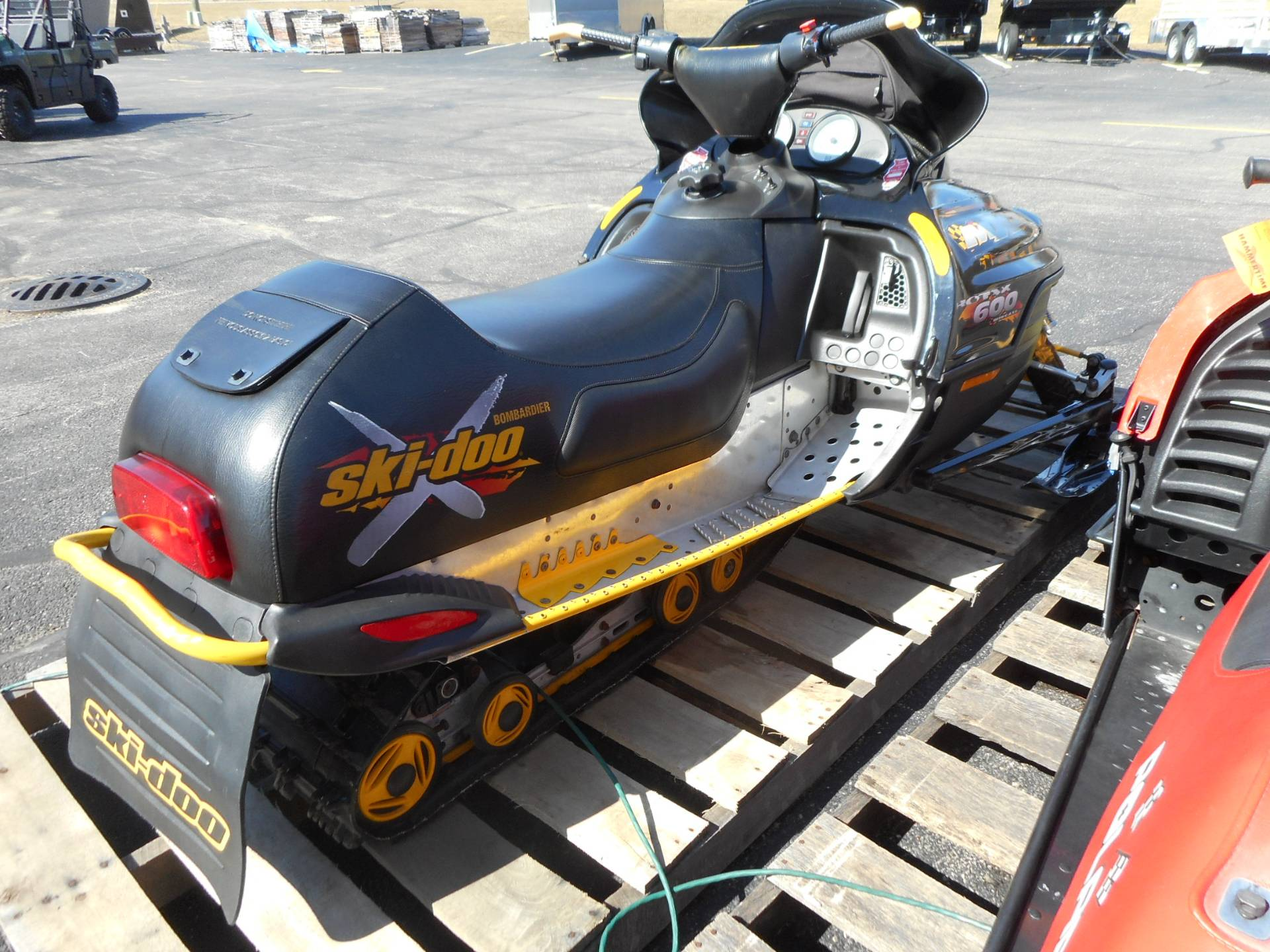 2001 Ski-Doo MX Z - Standard 600 in Belvidere, Illinois - Photo 12