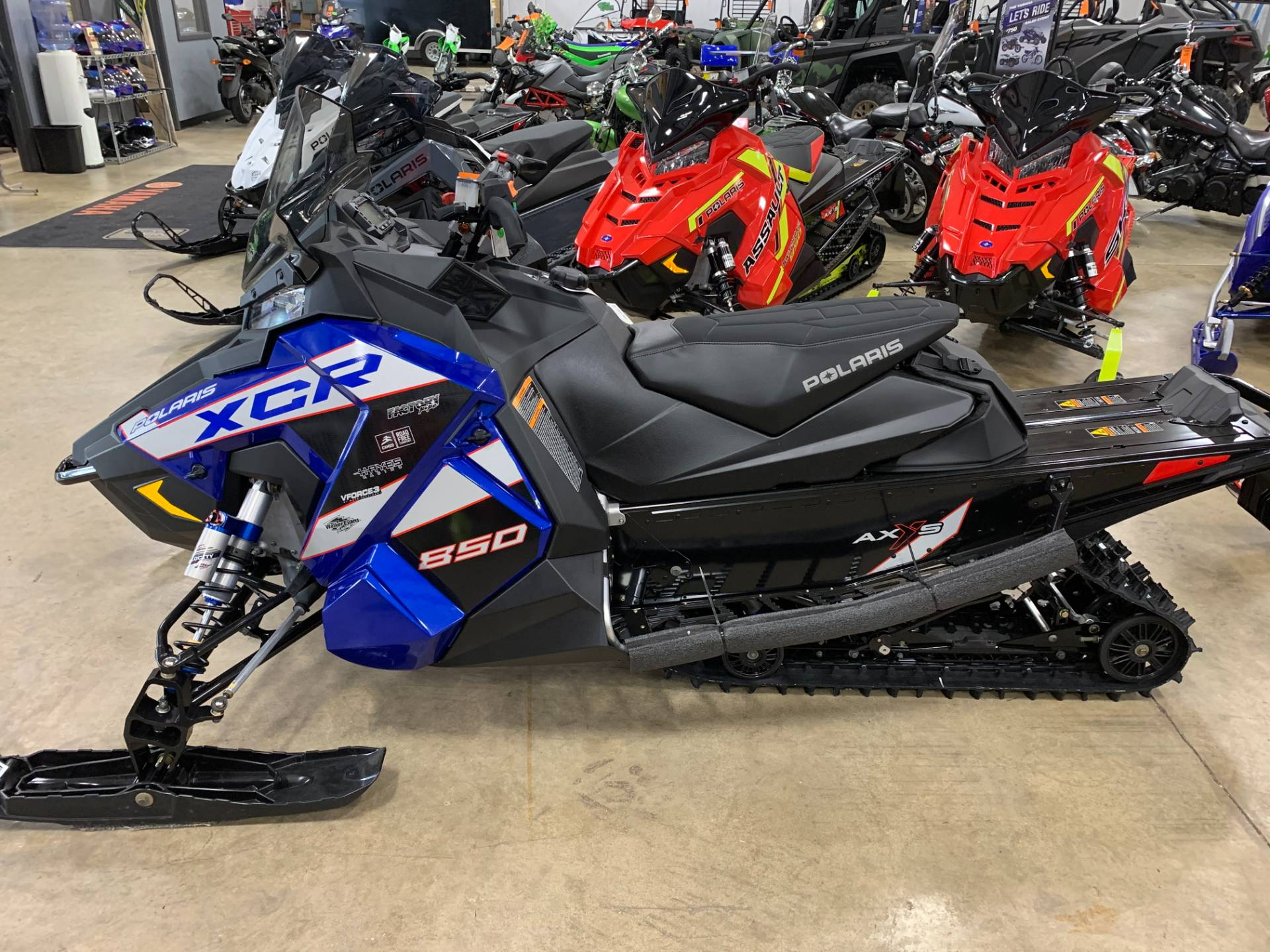 2021 Polaris 850 Indy XCR 129 Factory Choice in Belvidere, Illinois - Photo 4