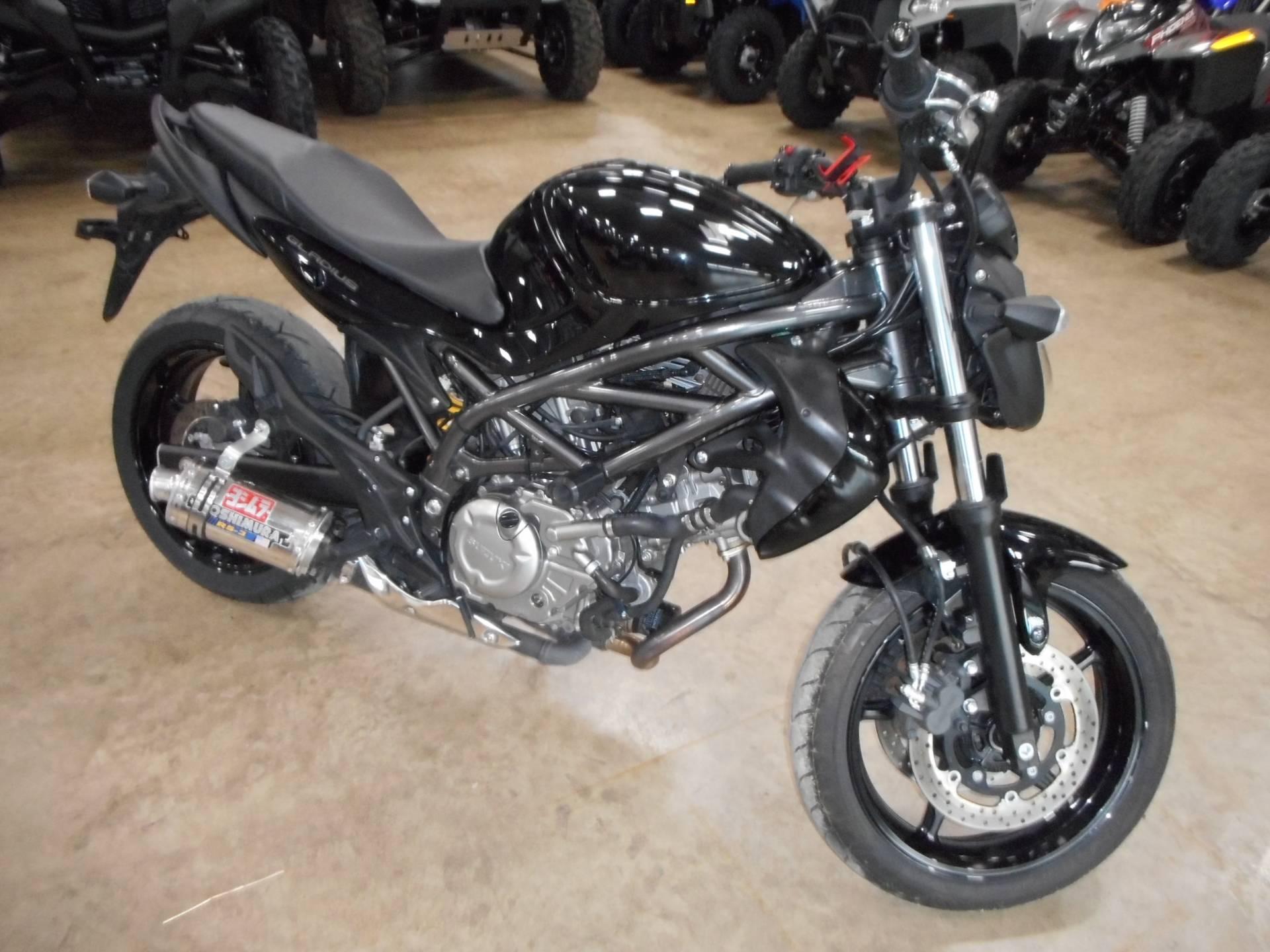 2009 Suzuki Gladius 1