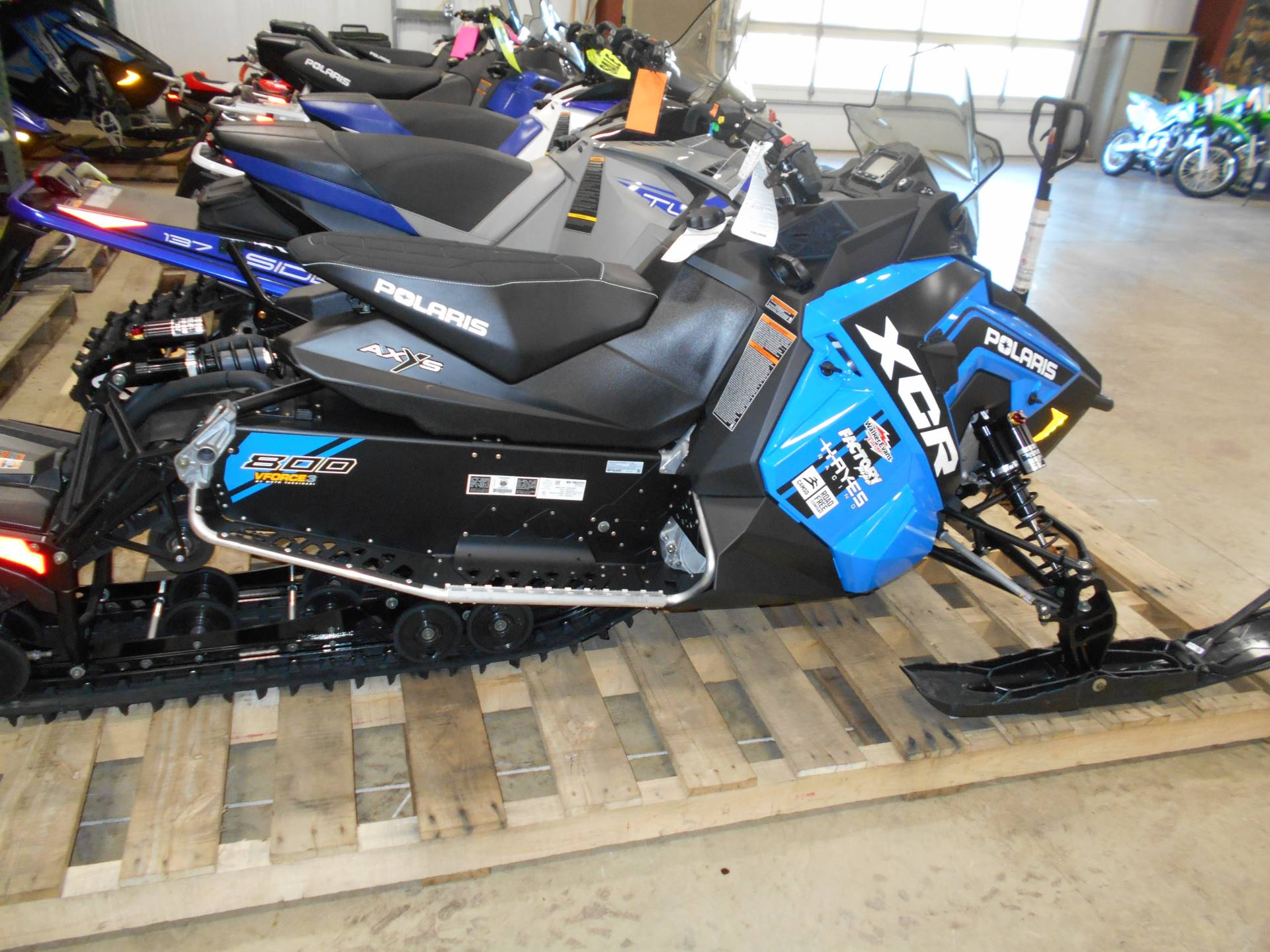 2018 Polaris 800 Switchback XCR SnowCheck Select in Belvidere, Illinois