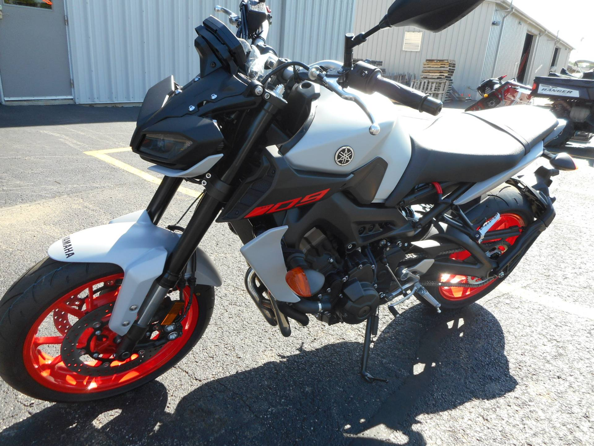 2019 Yamaha MT-09 in Belvidere, Illinois