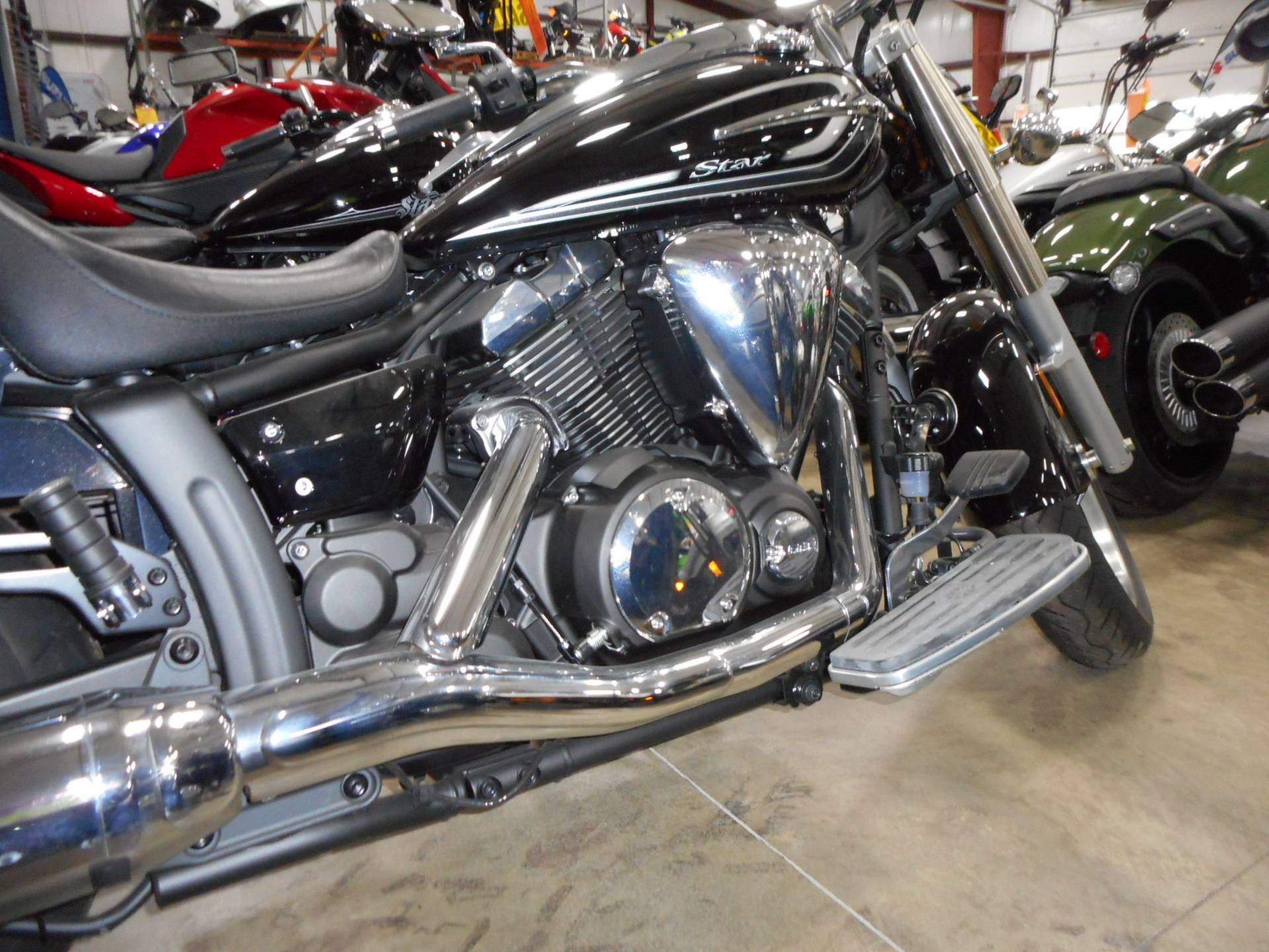 2015 Yamaha V Star 950 in Belvidere, Illinois - Photo 4