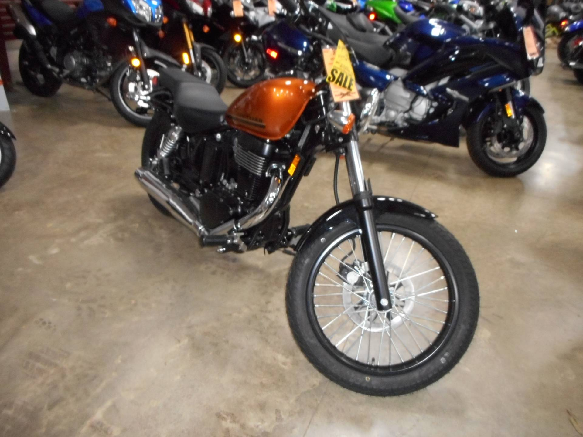 2017 Suzuki Boulevard S40 in Belvidere, Illinois - Photo 4