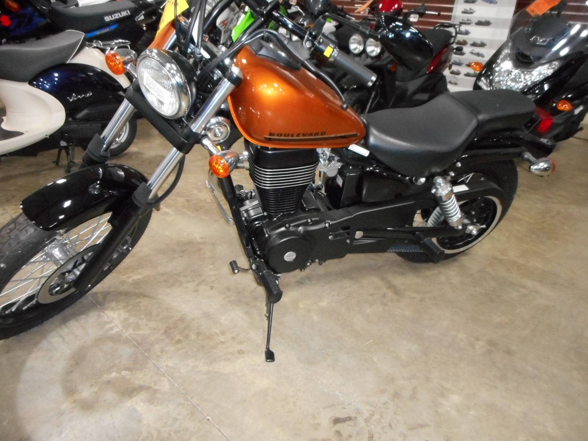 2017 Suzuki Boulevard S40 in Belvidere, Illinois - Photo 8