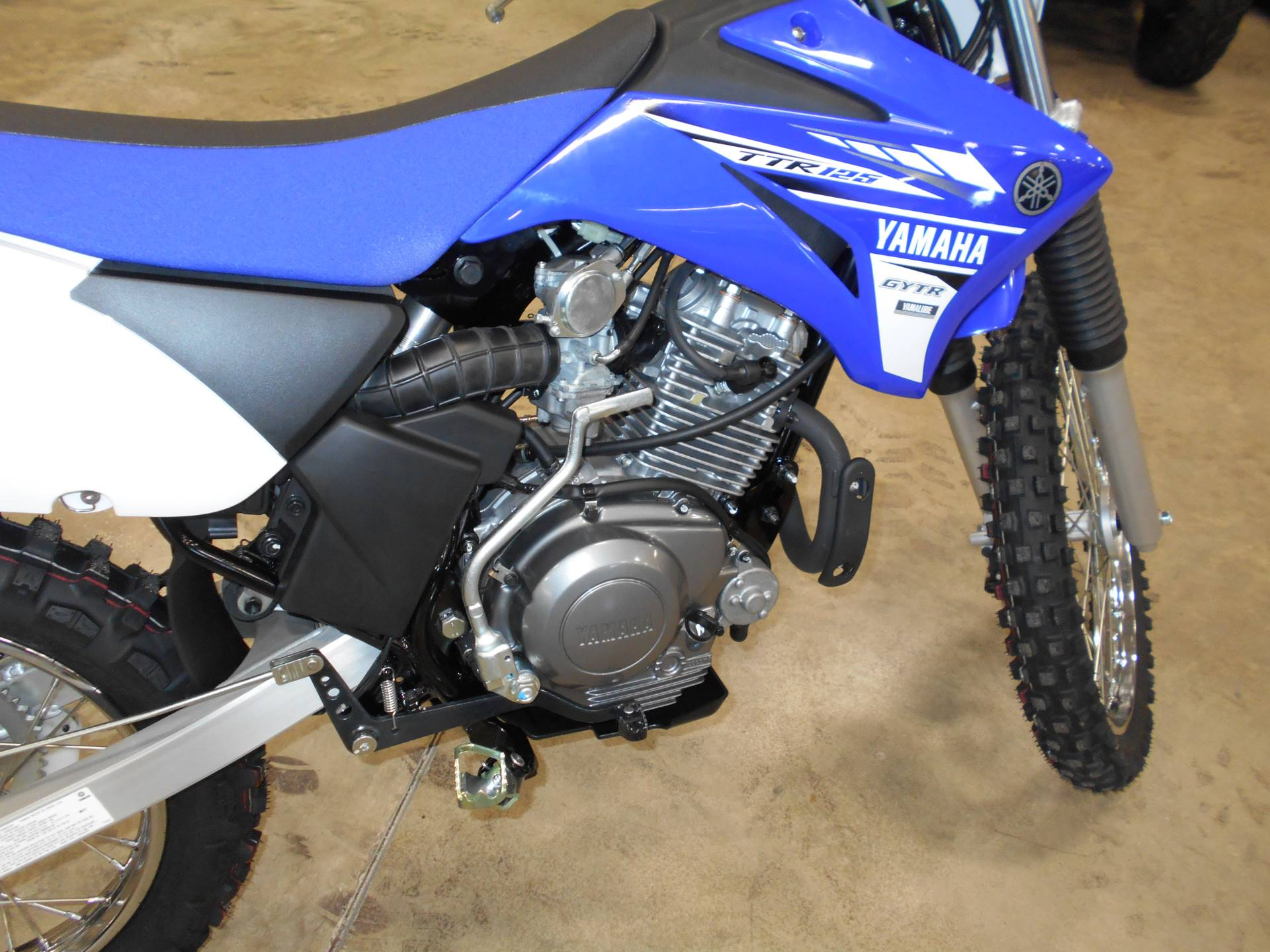 2017 Yamaha TT-R125LE 3