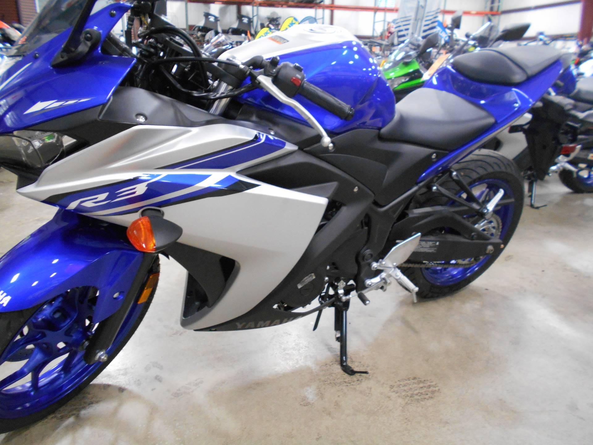 2017 Yamaha YZF-R3 3