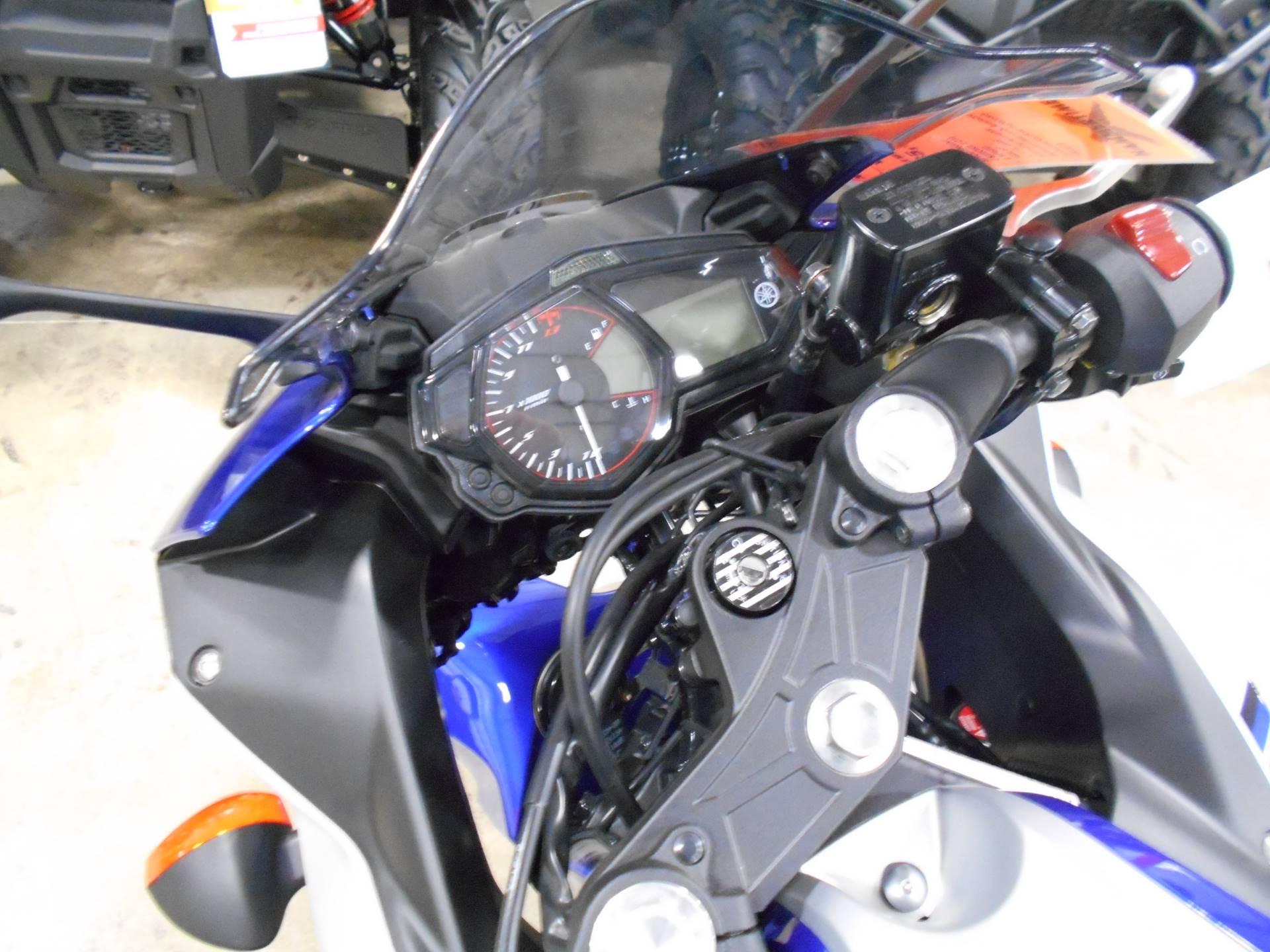 2017 Yamaha YZF-R3 6