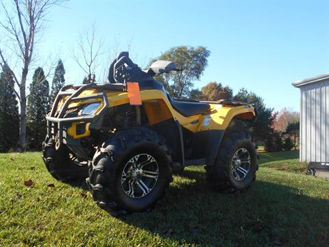 2011 Can-Am Outlander™ MAX 800R XT in Belvidere, Illinois