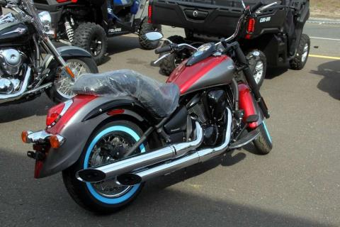 2016 Kawasaki Vulcan 900 Classic SE in Waterbury, Connecticut