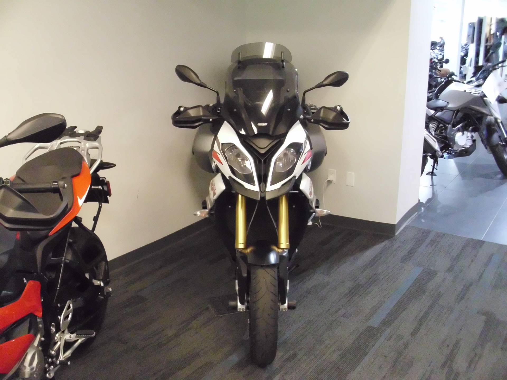 2016 BMW S 1000 XR in Centennial, Colorado - Photo 3