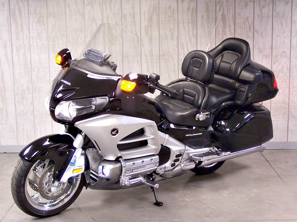 2012 Honda Gold Wing® ABS in Erie, Pennsylvania - Photo 2