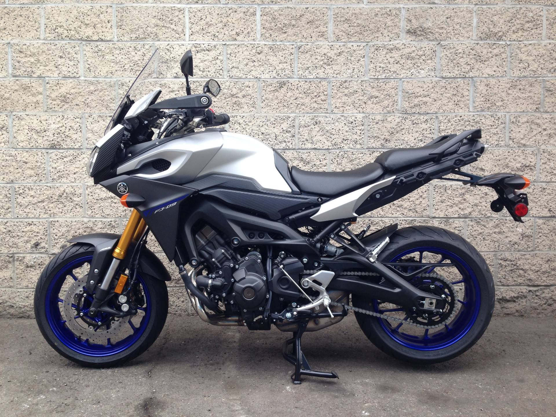 2016 Yamaha FJ-09 4